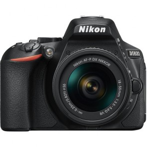 Nikon D5600 Kit with AF-P 18-55mm VR Lens