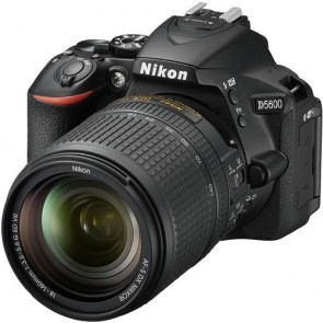 Nikon D5600 Kit with 18-140mm VR Lens