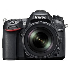 Nikon D7100 Camera Kit with 18-105mm VR Lens
